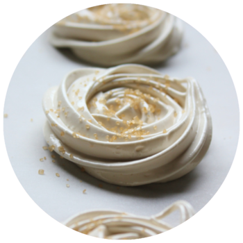 bondi-chai-meringue-rosettes-recipe